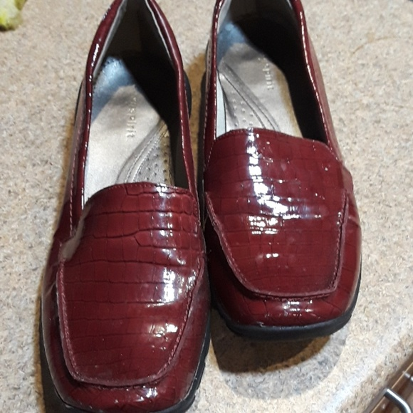 EASY SPIRIT BRICK RED LEATHER ABIDE 8 LOAFERS NWOT